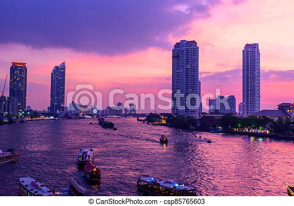 bâtiment, élevé, rivière, temps, nuit - csp85765603