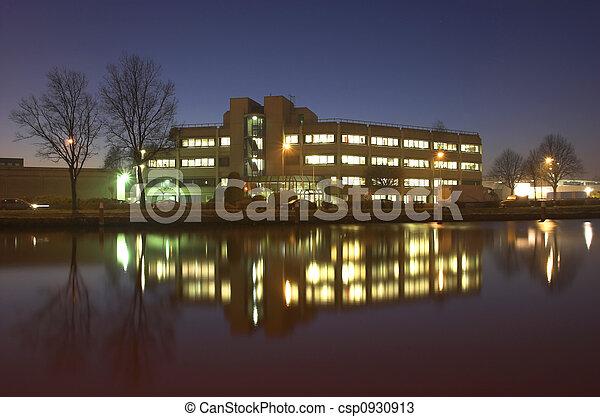 bâtiment, bureau, nuit - csp0930913