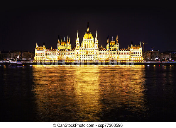 bâtiment, hongrois, nuit, parlement - csp77308596