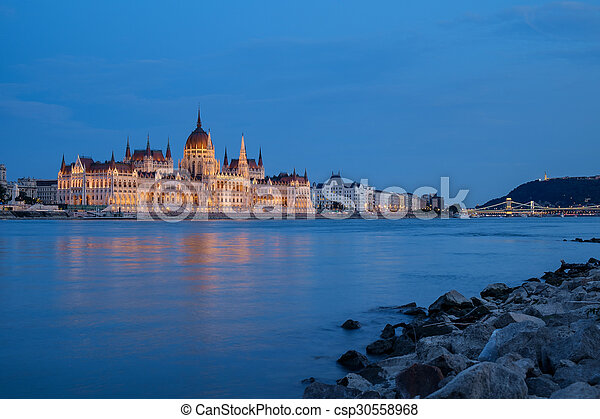 bâtiment, parlement, hongrois, nuit - csp30558968