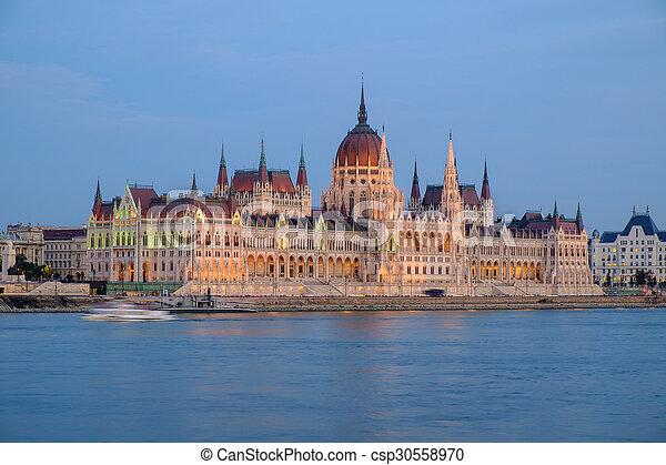 bâtiment, parlement, hongrois, nuit - csp30558970