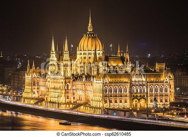 bâtiment, parlement, hongrois, nuit - csp62610485