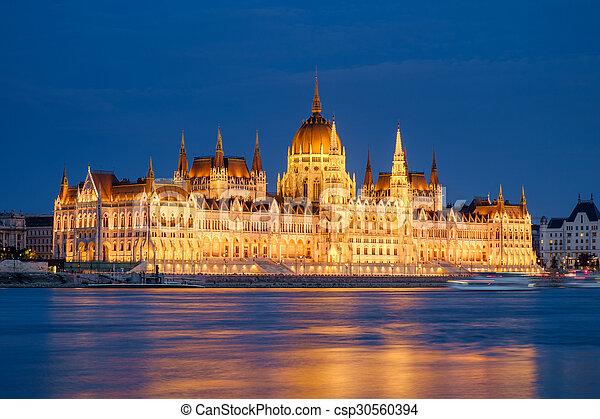 bâtiment, parlement, hongrois, nuit - csp30560394