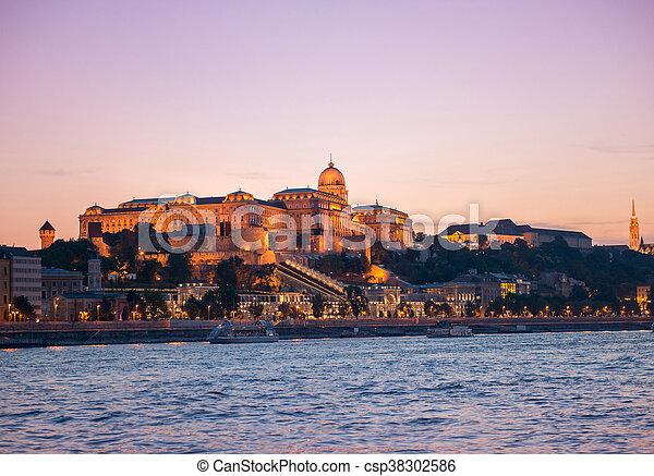 budapest, danube, vue, château, coucher soleil - csp38302586