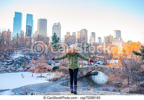 central, adorable, york, parc, girl, ville, nouveau - csp75288160