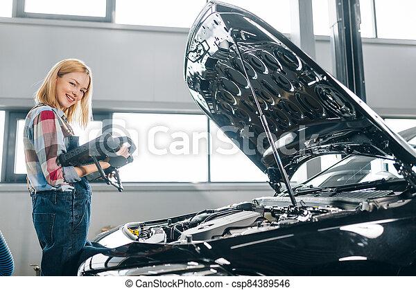 heureux, dépenser, garage, girl, temps - csp84389546