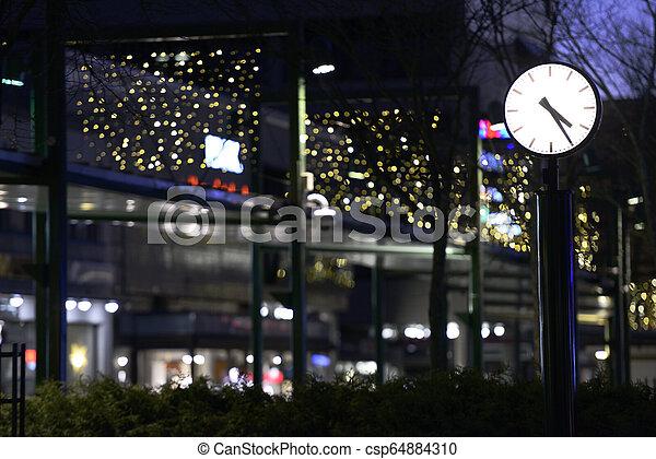 rue ville, nuit, horloge - csp64884310