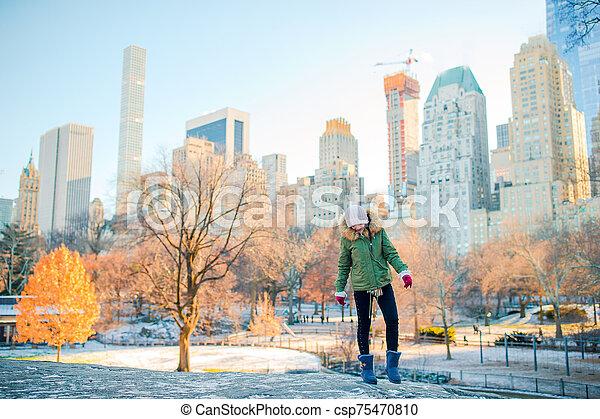 ville, adorable, nouveau, girl, central, york, parc - csp75470810