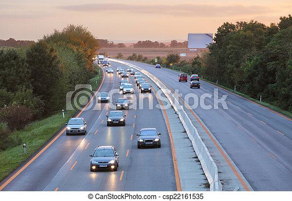 voitures, coucher soleil, autoroute, route - csp22161535